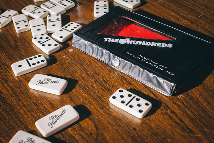The-Hundreds-Dominoes-3